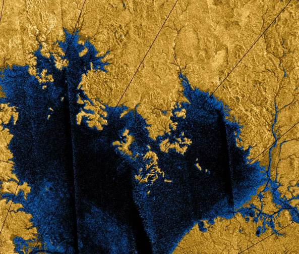 lagos de hidrocarburos en titán